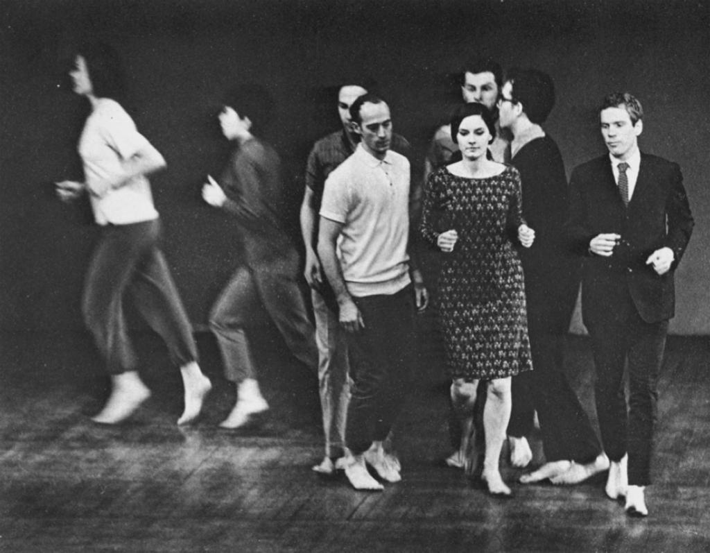 Yvonne Rainer, We shall run, 1963 - различные пространственные паттерны бега под Реквием Берлиоза