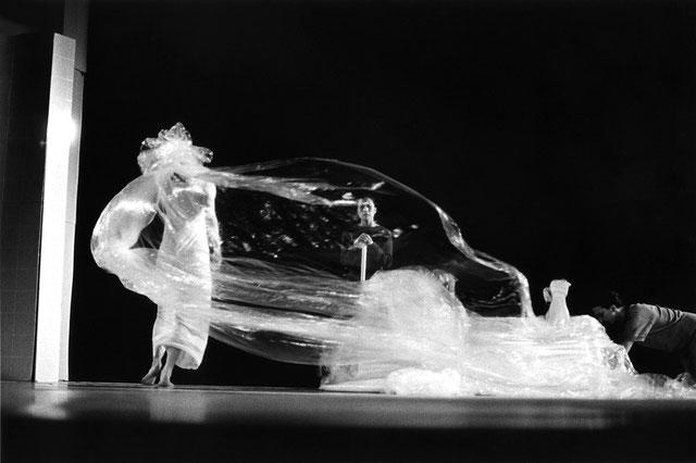 susanne-linke-premiere-1980-wowerwiewas-photo-montage-heidemarie-franz